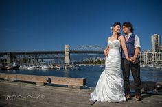 Bride and groom photosession in Granville Island, Vancouver BC by Aplauso Studios