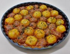 Chiftele cu cartofi la cuptor - Bunătăți din bucătăria Gicuței Helathy Food, Good Food, Yummy Food, Romanian Food, Cooking Recipes, Healthy Recipes, Just Cooking, Potato Recipes, Meal Planning