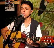https://famous.perfectinter.net/v/4219 Gianni from Dominican Republic with a new Jack Johnson cover, Banana Pancakes