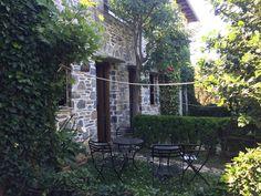 Damouchari Hotel, Pelion, Grèce Spots, Outdoor Structures, Garden, Plants, Garten, Lawn And Garden, Gardens, Plant, Gardening