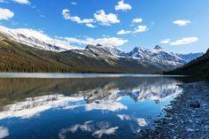 PARQUE NACIONAL GLACIER, EUA - Fica localizado no estado de Montana e faz fronteira com o Canadá,possui 130 lagos, mais de mil espécies de plantas e centenas de espécies de animais. Sua extensão conta com mais de 4 mil quilômetros quadrados com duas cadeias montanhosas.