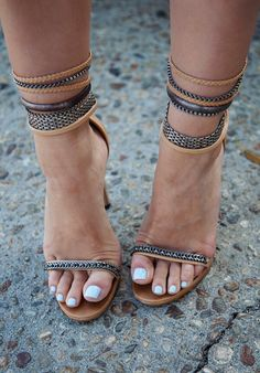 Want them I do and have them I shall! http://www.karlascloset.com/2013/07/extra-mini.html?m=1