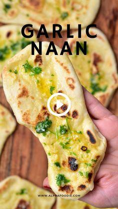 Indian Food Recipes, Vegetarian Recipes, Cooking Recipes, Amazing Food Videos, Amazing Food Recipes, Garlic Naan, Diy Food, Food Dishes, Yummy Food