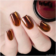 Use this ultra fine powder of green, gold and blue to give your nails an amazing multi chrome effect with ultimate shine and beauty. Halloween Nail Colors, Fall Nail Colors, Halloween Nails, Fall Nail Designs, Acrylic Nail Designs, Acrylic Nails, Chrome Nails Designs, Blue Chrome Nails, Winter Nail Art