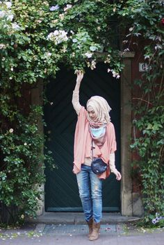 30 Stylish Ways to Wear Hijab with Jeans for Chic look | Outfit Trends | Outfit…
