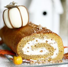 Fabulous Pumpkin Roll!  That's right, I'm already fantasizing about fall food!  Pin it to Save it!  #foodiefiles  #pumpkin