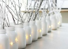 Why Everyone Is Decorating With Fake Snow This Christmas #happynewyear #christmascards #christmas Winter Wonderland Decorations, Winter Wonderland Party, Snow Decorations, White Party Decorations, Winter Onederland, White Christmas Decorations Diy, White Christmas Lights, Schnee Party, Snow Party