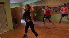 Danca do Alarme - Zumba With Carolina B Zumba For Beginners, Zumba Videos, Dance Choreography, Basketball Court, Youtube, Youtubers, Youtube Movies