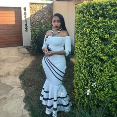Latest African Fashion Dresses, African Fashion Designers, African Dresses For Women, African Print Fashion, Traditional Dresses Designs, Traditional Wedding Dresses, Traditional Weddings, Xhosa Attire, African Attire
