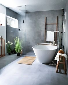 Concrete and wooden details in bathroom. Cement Bathroom, Bathroom Spa, Living Room Inspiration, Bathroom Inspiration, Dere, First Apartment, Sweet Home, New Homes, Bathtub