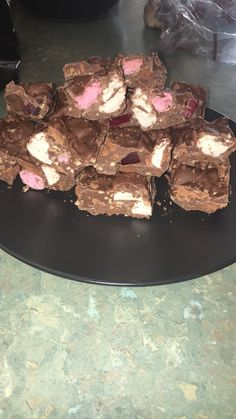 What could possible make Rocky Road better? Tart Recipes, Fudge Recipes, Sweet Recipes, Dessert Recipes, Cooking Recipes, Slow Cooker Recepies, Slow Cooker Desserts, Tim Tam, Slow Cooker Fudge