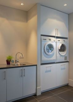 Laundry utility room mild utility room laundryroom mudroom washok id Mudroom Laundry Room, Laundry Room Cabinets, Small Laundry Rooms, Laundry Room Organization, Laundry In Bathroom, Organization Ideas, Laundry Rack, Metal Building Homes, Building A House