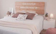 Cabeceros de cama artesanos | Decorar tu casa es facilisimo.com Dream Bedroom, Girls Bedroom, Bedrooms, Diy Room Decor, Bedroom Decor, Home Decor, Diy Deco Rangement, Relaxation Room, House Rooms