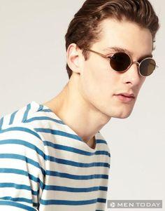 Mắt kính gọng kim loại màu vàng sang trọng của Marc Jacobs có giá gần 300 USD