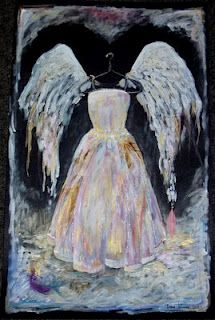 If that will be my angel dress when I die... I want to be one now!!! :B