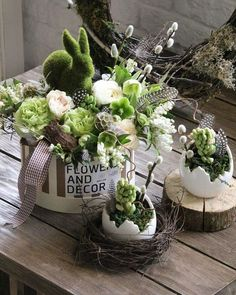 Wonderful Easter Decoration Ideas For Your Inspiration; Easter Table Decoration Ideas With Egg And Bunny; Easter Flower Arrangements, Easter Flowers, Spring Flowers, Floral Arrangements, Easter Centerpiece, Easter Colors, Diy Flowers, Green Flowers, Deco Restaurant