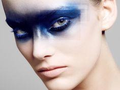Cool tones makeup make-up