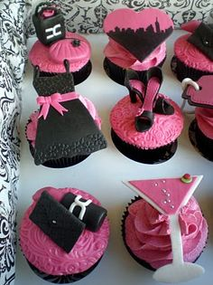 Sex and the City cupcakes @Teeveegal so funny