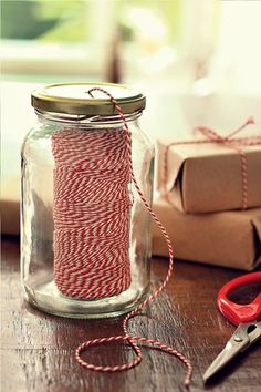 Put your twine inside a jar and poke the end through a hole in the lid Craft Organization, Craft Storage, Diy And Crafts, Arts And Crafts, Craft Room Design, Blog Planner, Craft Fairs, Sewing Crafts, Mason Jars