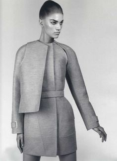 97 Gorgeous Geometric Fashions 97 Gorgeous Geometric Fashions - From Grand Geometric Gowns to Spiked-Spine Smocks (CLUSTER). Structured Fashion, Minimal Fashion, High Fashion, 50 Fashion, Arte Fashion, Fashion Models, Fashion Tips, Fashion Styles, Look Casual