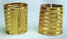 The Derrinboy armlets are a pair of magnificent gold bracelets that were found deep within a County Offaly bog in 1959. Dating from the Late Bronze Age, these precious artefacts formed part of a small hoard of objects that were discovered by Mr. Patrick McGovern as he was digging turf.