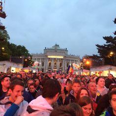 25.000 Menschen waren dort. Ein Wunder in der dritten Reihe zu stehen