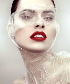 Homemade Face Masks That Will Make You Glow Create these easy DIY facials in your kitchen on the cheapCreate these easy DIY facials in your kitchen on the cheap Easy Face Masks, Homemade Face Masks, Beauty Photography, Portrait Photography, Beauty Fotos, Images Esthétiques, Beauty Makeup, Hair Makeup, Makeup Art