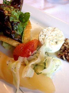 OCC Culinary Institute HIgh Tea - 3件のもぐもぐ - スパイスド・ペア、フェンネルルーツのサラダ、ブラッドオレンジ、変わりパンナコッタ by po