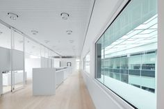 Headquarters Marc Cain, Bodelshausen, Germany by Hank + Hirth Freie Architekten, Eningen u. A, Germany / ALUCOBOND®   Pure White 10