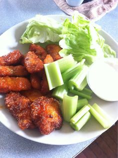 Parmesan crusted boneless wings with sriracha sauce #r/keto
