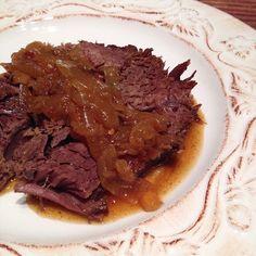 Rezept: geschmortes Rind in Cola-Zwiebel-Chili-Sauce aus dem Slowcooker