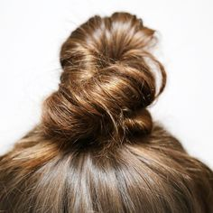 #hair #topknot #instagram Up Hairstyles, Pretty Hairstyles, Hair Up Styles, Hair Treatments, Good Hair Day, Top Knot, Beauty Queens, Cut And Color, Hair Type