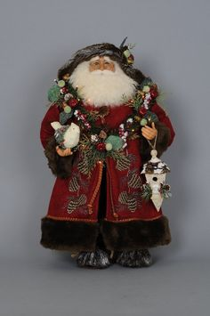 Brimming with painstaking details such as a hand-painted face and glass inset eyes, this Santa figurine fills your home with Christmas cheer. The light-up design offers an extra touch of holiday spirit. Father Christmas, Santa Christmas, All Things Christmas, Christmas Holidays, Christmas Wreaths, Christmas Ideas, Santa Decorations, Birthday Party Decorations, Old World Christmas Ornaments