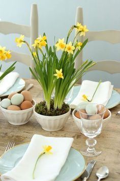 Spring is sprung...and Easter is almost here...Daffodil bulbs and gorgeous fresh eggs say it all in this country style floral arrangement...