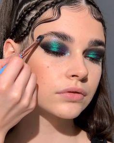 Edgy Makeup, Makeup Eye Looks, Eye Makeup Art, Cute Makeup, Pretty Makeup, Makeup Tips, Hair Makeup, Glowy Makeup, Makeup Products