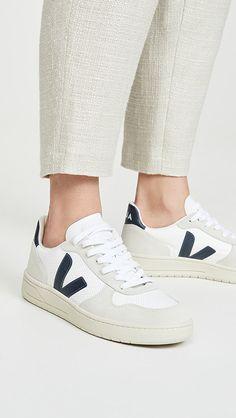 Sneaker Outfits Women, Womens Fashion Sneakers, Fashion Shoes, Veja Esplar, Veja V 10, Veja Sneakers, White Sneakers, Shoe Last, Sneaker Brands