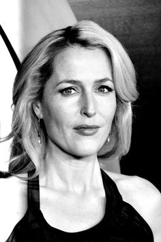 Gillian Anderson Photos - An Alternative View of Fox's 'The X-Files' Premiere - Zimbio