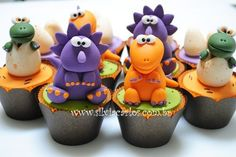 So I know you want to do some sculpting, Heather. Dinosaur Cupcakes, Dinosaur Party, Dinosaur Birthday, Festa Jurassic Park, Fondant Figures, Sugar Art, Cute Cakes, Cupcake Cookies, Baby Shower Parties