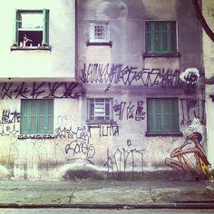 SnapWidget | Se não tivesse a pixação, somente o grafite do Mauro, iria parecer que moramos em uma cidade civilizada de 1° mundo. Estamos longe. O pixo é protesto, autêntica manifestação urbana. Pode não agradar, mas nos faz lembrar todo dia qual é a realidade de #serpaulistano . Essa cidade fede e os ratos fazem a festa.