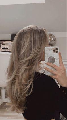 Blonde Hair Inspiration, Hair Inspo, Cut My Hair, Hair Cuts, Blonde Hair Looks, Blonde Hair With Layers, Dirty Blonde Hair With Highlights, Shades Of Blonde Hair, Blonde Hair With Brown Underneath