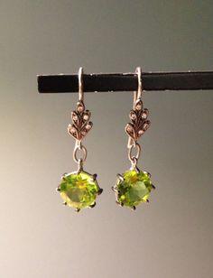 "WHITE bIRD   Cathy Waterman earrings/ boucles d'oreilles ""Oak leaf"", platine, diamants, péridot @ WHITE bIRD"