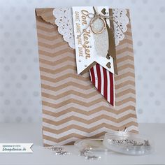 stampin-up-chevron-tag-a-bag-gift-bags-geschenktuete-fischgraetmuster-snowflake-all-is-calm-charm-141024.jpg (900×900)
