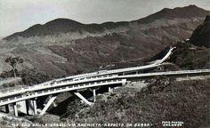 Década de 50 - Rodovia Anchieta na Serra do Mar.