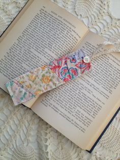 Hey, I found this really awesome Etsy listing at https://www.etsy.com/listing/179519431/bookmarks-from-vintage-quilt-set-of-3