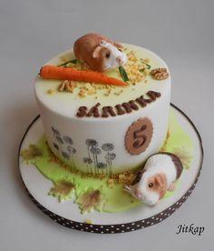 Guinea Pigs - cake by Jitkap Pig Cupcakes, Cupcake Cakes, Pretty Cakes, Cute Cakes, Guinea Pig Breeding, Pig Birthday Cakes, Baby Guinea Pigs, Ballerina Cakes, Animal Cakes