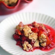 Vadelma-nektariinipaistos   Maku Oatmeal, Breakfast, Food, The Oatmeal, Morning Coffee, Rolled Oats, Essen, Meals, Yemek