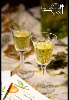 JUEGO DE SABORES : LICOR DE MANDARINA Cocktail Drinks, Alcoholic Drinks, Beverages, Homemade Liquor, Dieta Paleo, Bartender, White Wine, Smoothies, Juice