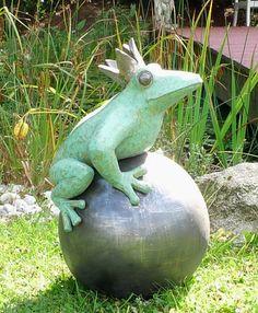 Der Froschkönig für den Garten | Keramik Kunst Blog