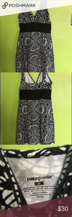 Patagonia hiking dress S Boho This dress is great for hiking and camping. Its also cute to wear anytime. It's easy to pack and wrinkle resistant. Patagonia Dresses Midi
