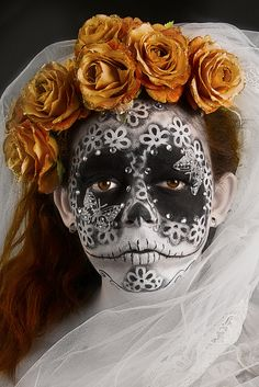 Make-Up by Kensington & Chelsea Students as part of Level 3 Assessment. Mexico Day Of The Dead, Day Of The Dead Skull, Candy Skulls, Sugar Skulls, Mexican Celebrations, Sugar Skull Makeup, Mexican Skulls, Chicano Art, Halloween Looks